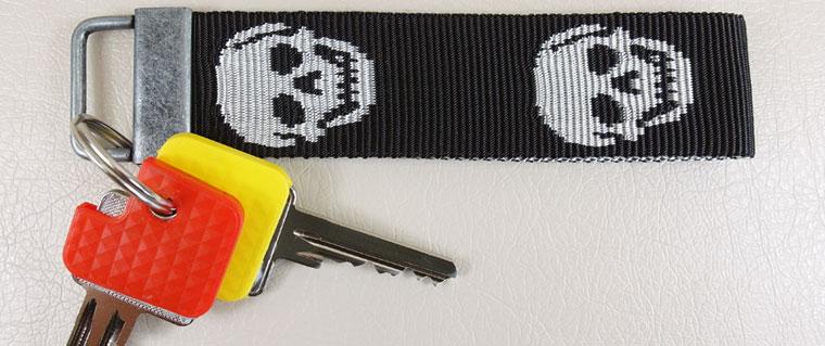 Totenkopfgurtbänder mit Schlüsselanhänger